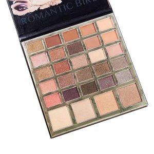 Paleta de 29 sombras de maquillaje de ojos.