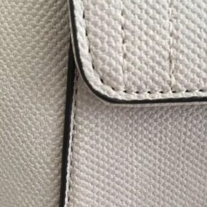 mochila-elegante-flecos-gris