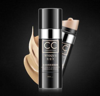 base de maquillaje con esponja aplicadora