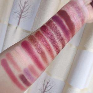 paleta sombras ojos escarchados purpurina